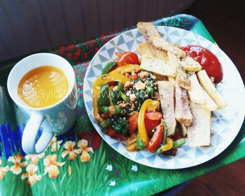 dearFood: #Nigerian Food with a Twist! Yam Chips [Dundun] with Flaked Salmon, Spinach and SweetPeppers